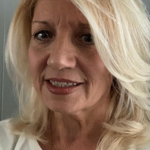 Donna Ryan Headshot