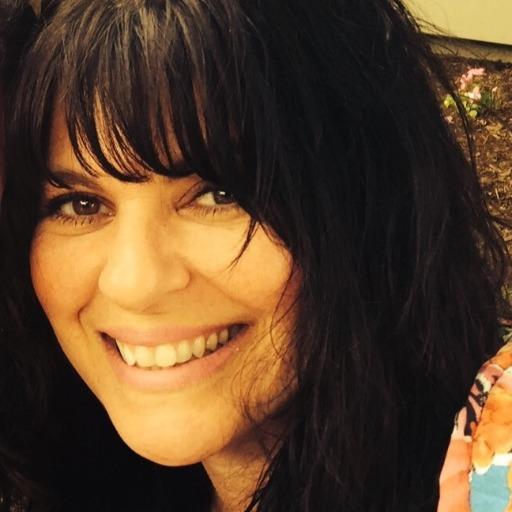 Dana Micheletti Headshot