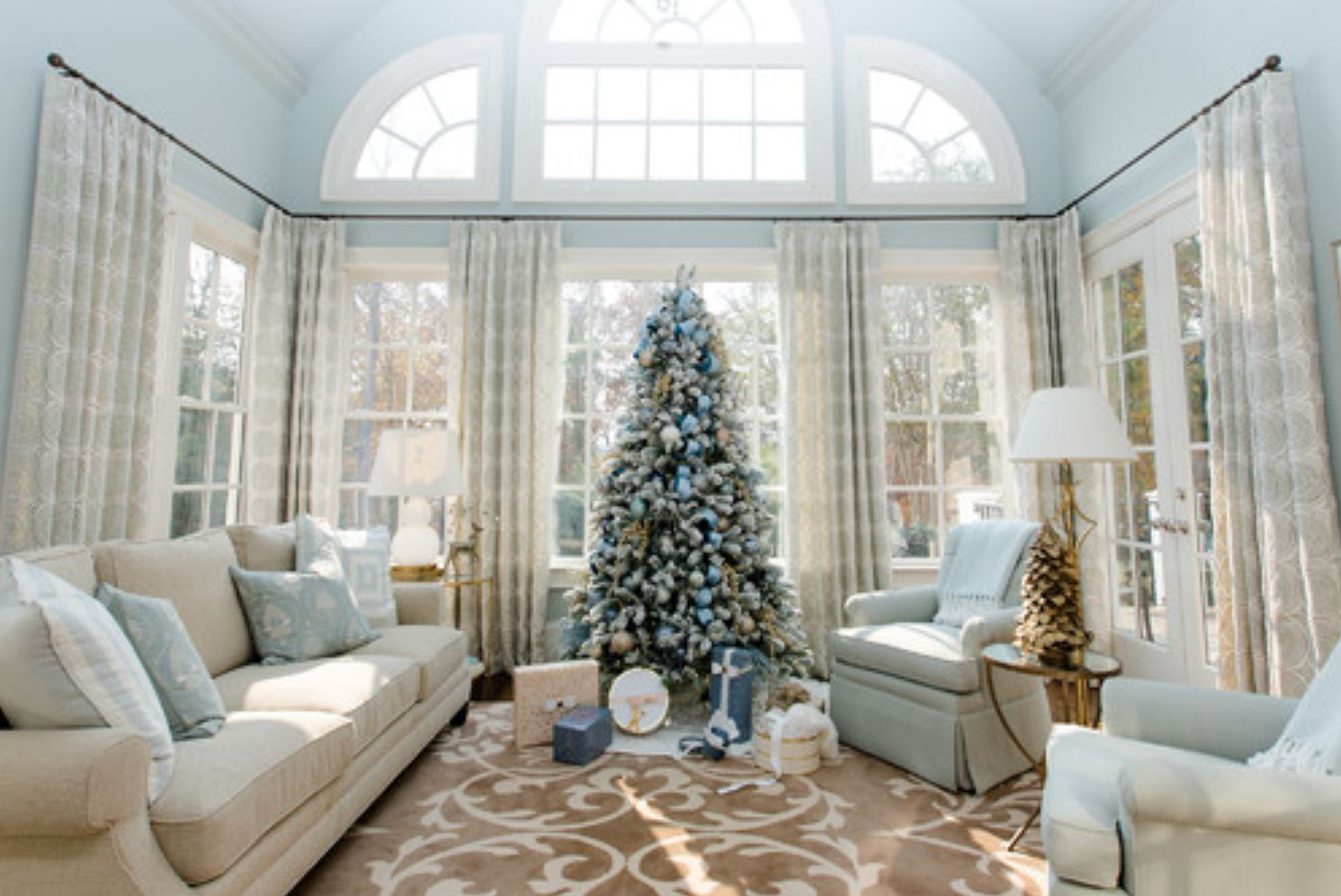 Realtor Magazine 2020 12 14 - 1 of 5 decorating trends this Christmas since the begining of the plandemic after going through the COVID-19 Coronavirus pandemic Hoey Team exp Realty