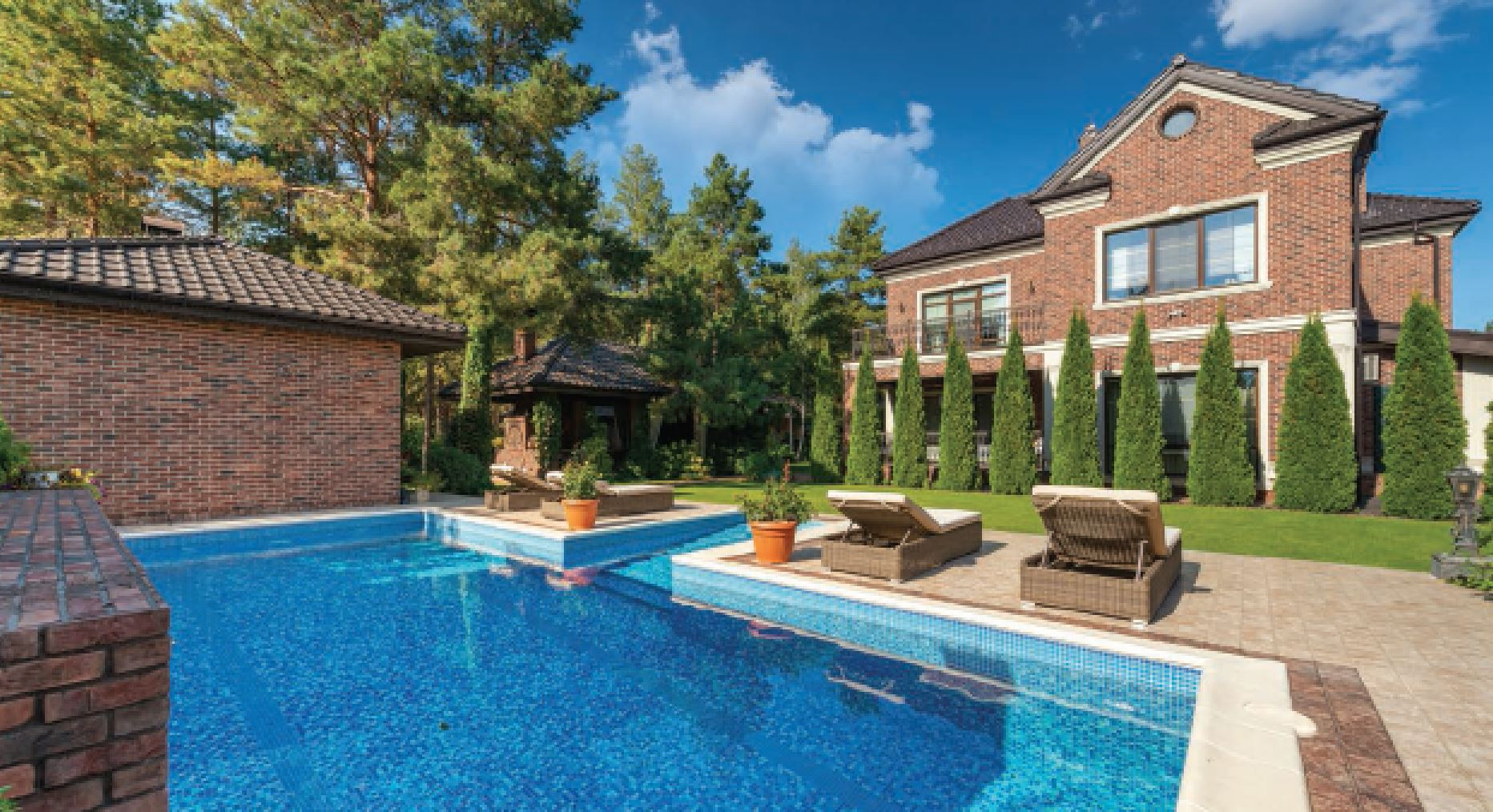Luxury home market Report for North America Luxury Home Yard June 2021 ILHM Hoey Team 239RealEstateDeals.Com LLC