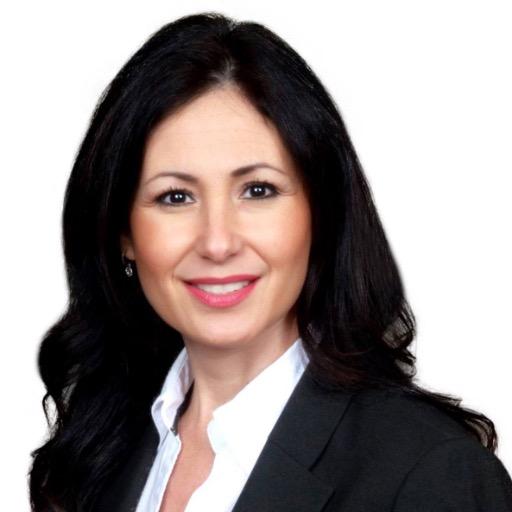 Laura Segarra Headshot
