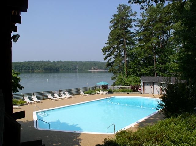pool at Keowee Key
