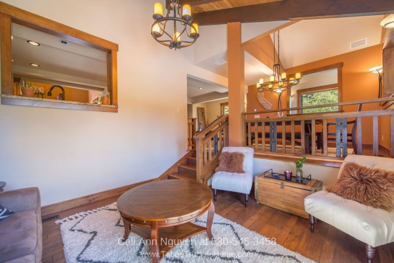 Tahoe Donner Truckee CA Real Estate Properties for Sale - Enjoy the cozy and relaxing ambiance of the sitting room of this modern vacation home for sale in Tahoe Donner.