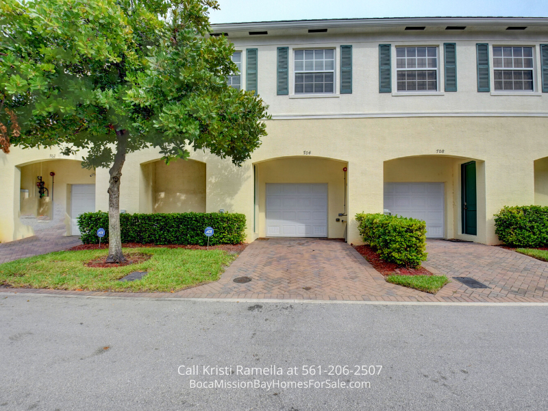 Townhomes for Sale in Pompano Beach FL - You'll love the charm and style of this updated and move-in ready townhome in Pompano Beach FL.
