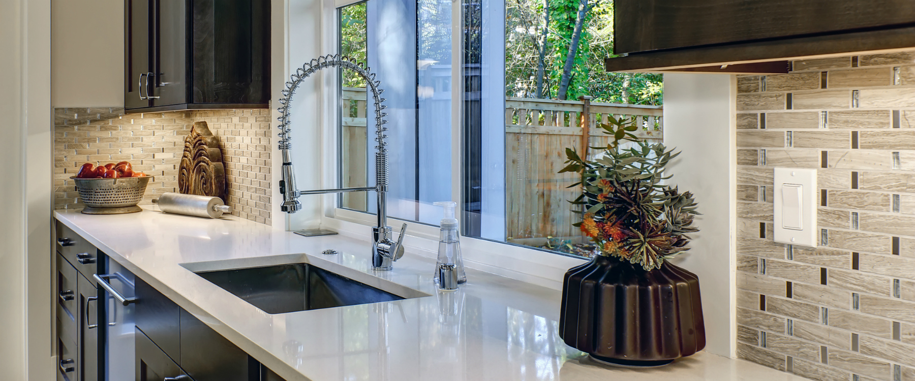 Contemporary kitchen with chrome faucet 1800x750
