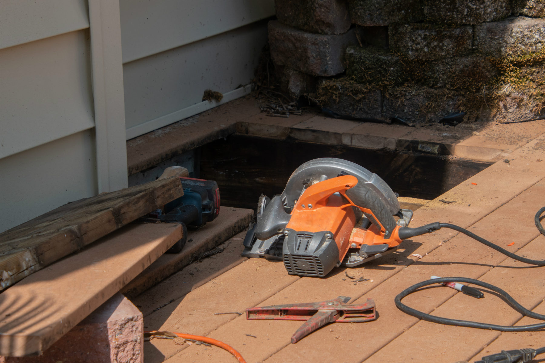 Deck repair with saw
