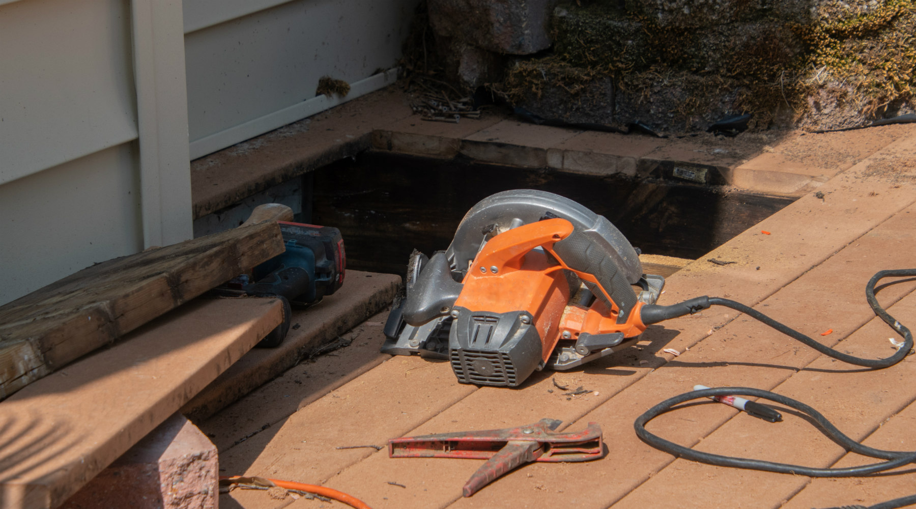 Deck repair with power saw