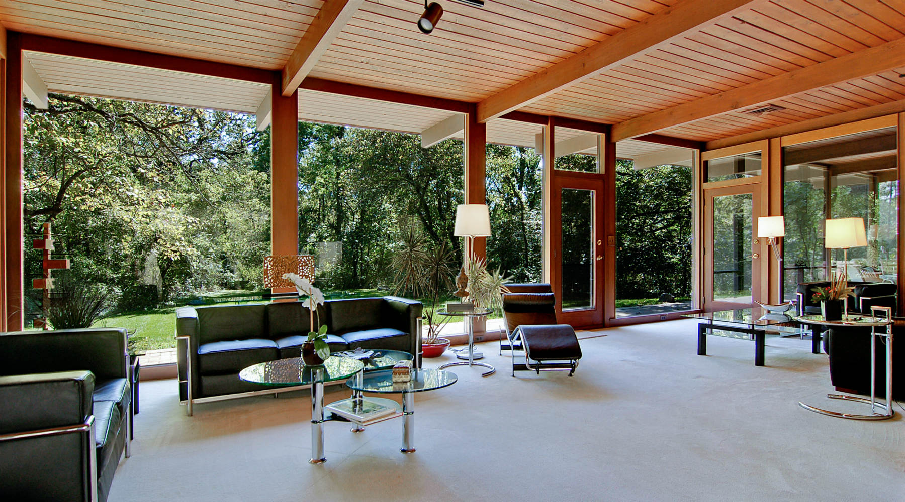 Mid century modern home with large windows