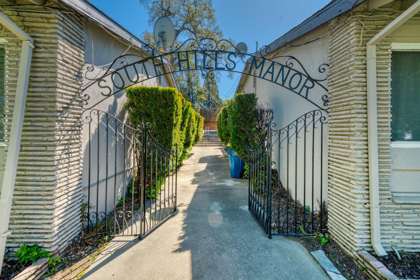 South Hills Manor Condominium