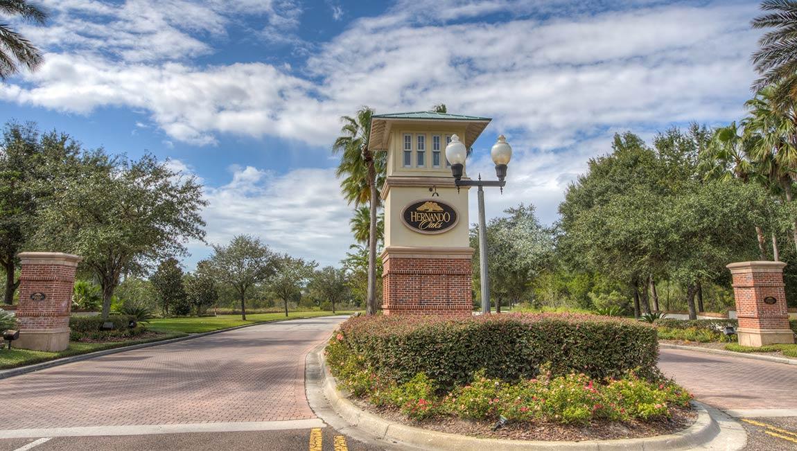 Hernando Oaks Entrance