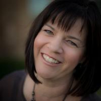 Annette Judd Headshot