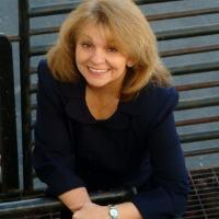 Joani Evans Headshot