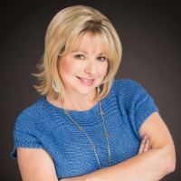 Laurie McGary Headshot