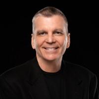 Steve Davis Headshot