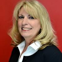 Linda Bobski Headshot