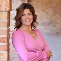Cindy Cuccio Headshot