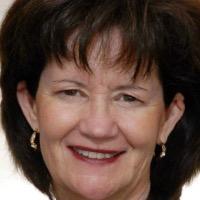 Susan Souder Headshot