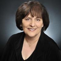 Darlene Hewitt Headshot