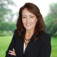 Flor Loya Chesney Headshot