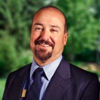 Antonio Estrada Headshot