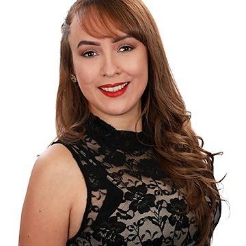 Veronica Sanchez Photo