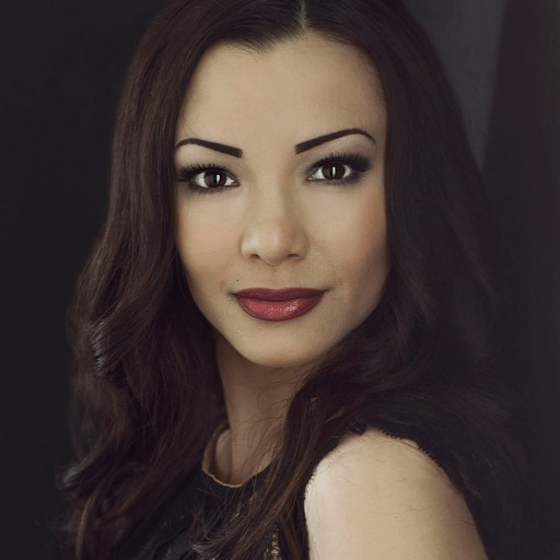 Maria    Lizo Photo