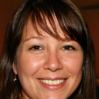 Vicki Singleton Headshot