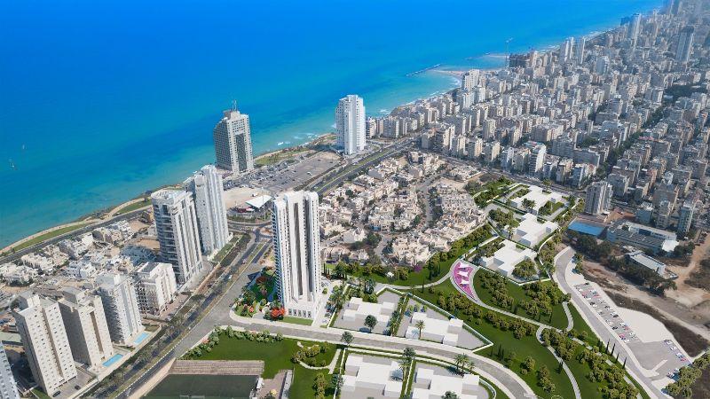 Big city next to ocean