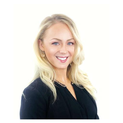 Amber Veranen Headshot