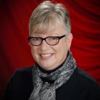 Karen Pioch Headshot