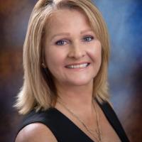 Diana Schollmeyer Headshot
