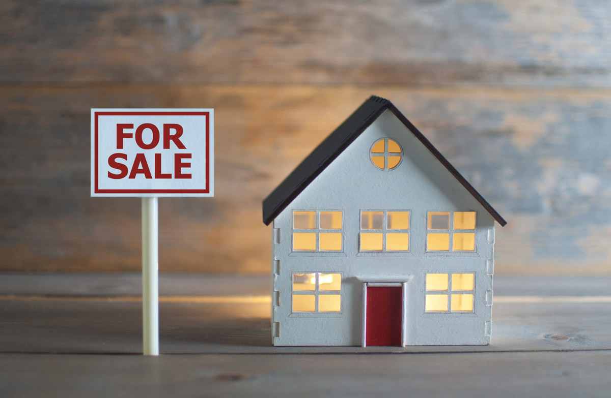 Selling Your Own Home vs Using a Real Estate Agent