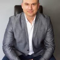 Aleks Radojcic Headshot