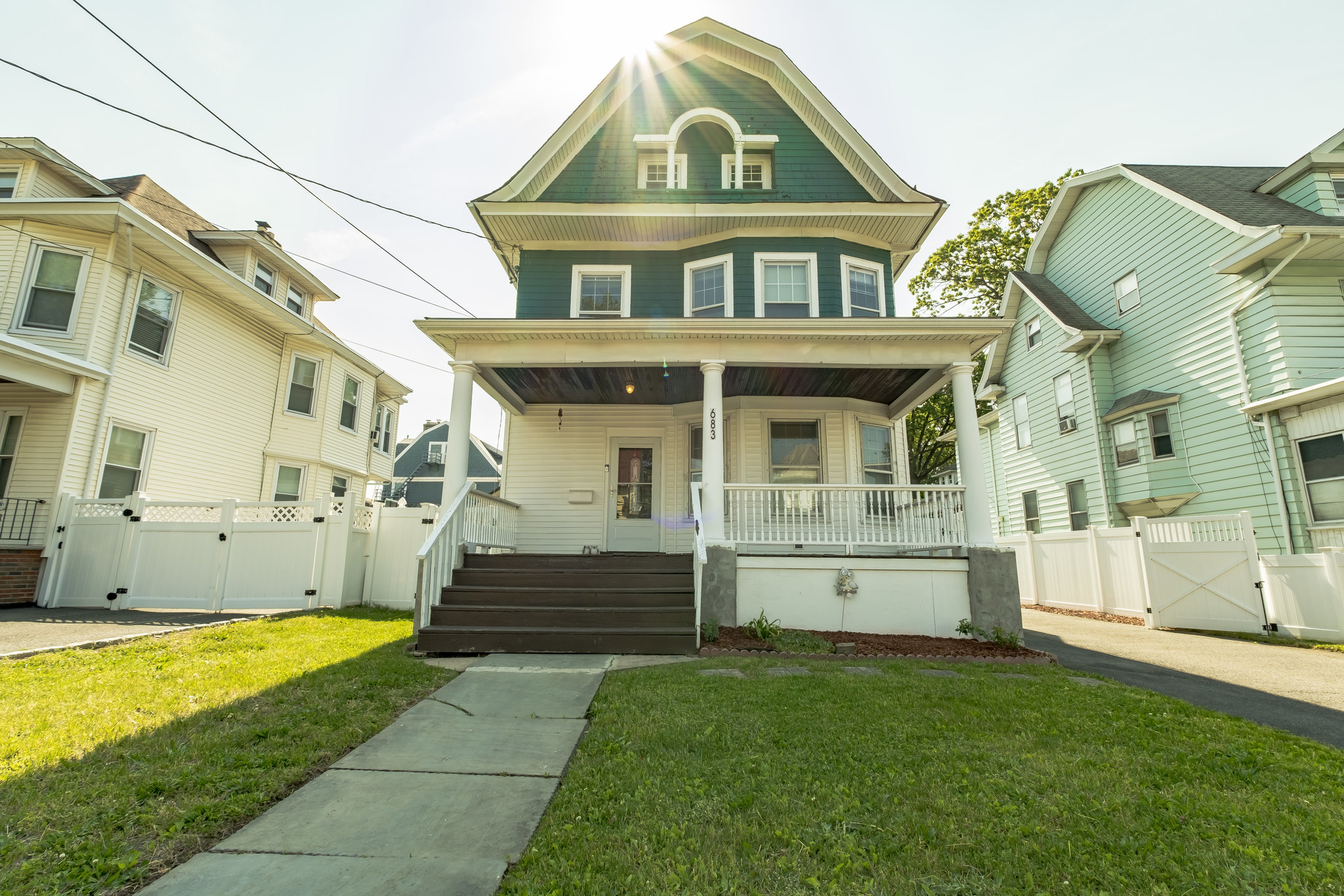 681-683 Highland Avenue Single family home
