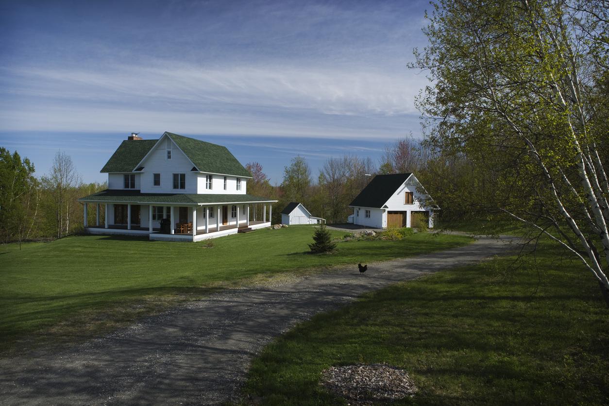 farm house on lake